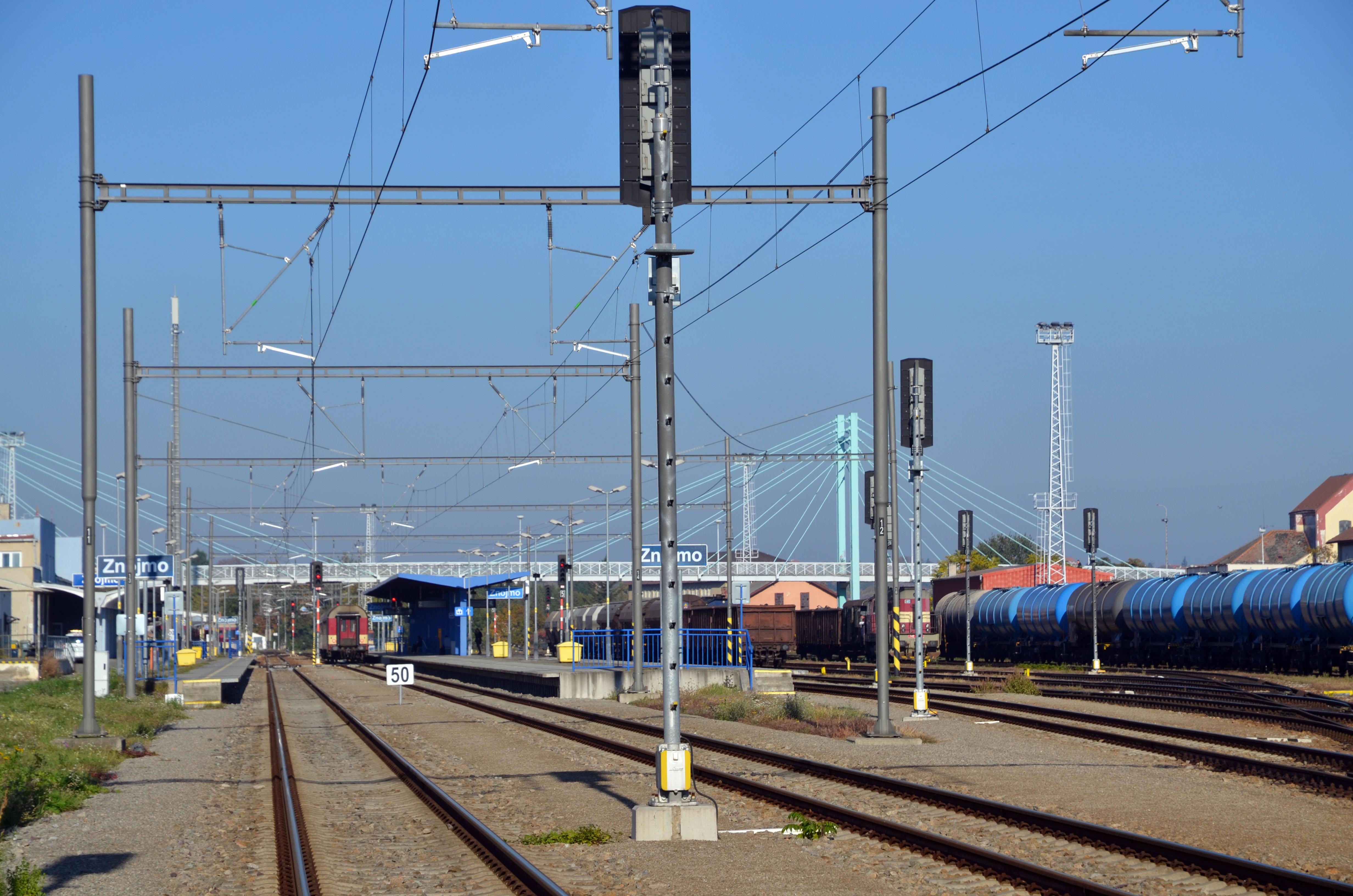 Elektrizace traťového úseku Šatov - Znojmo